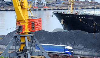 Baltic index hits 1-1/2-month high on firmer capesize, supramax rates